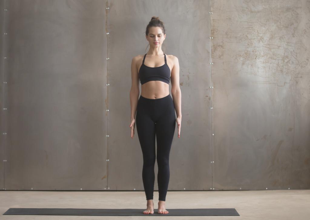 Tadasana, postura de la montaña, yoga